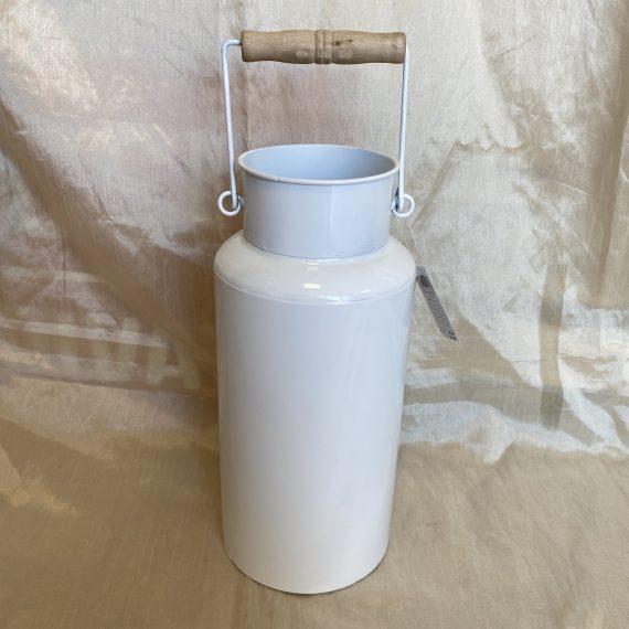 Vintage fehér tejeskanna