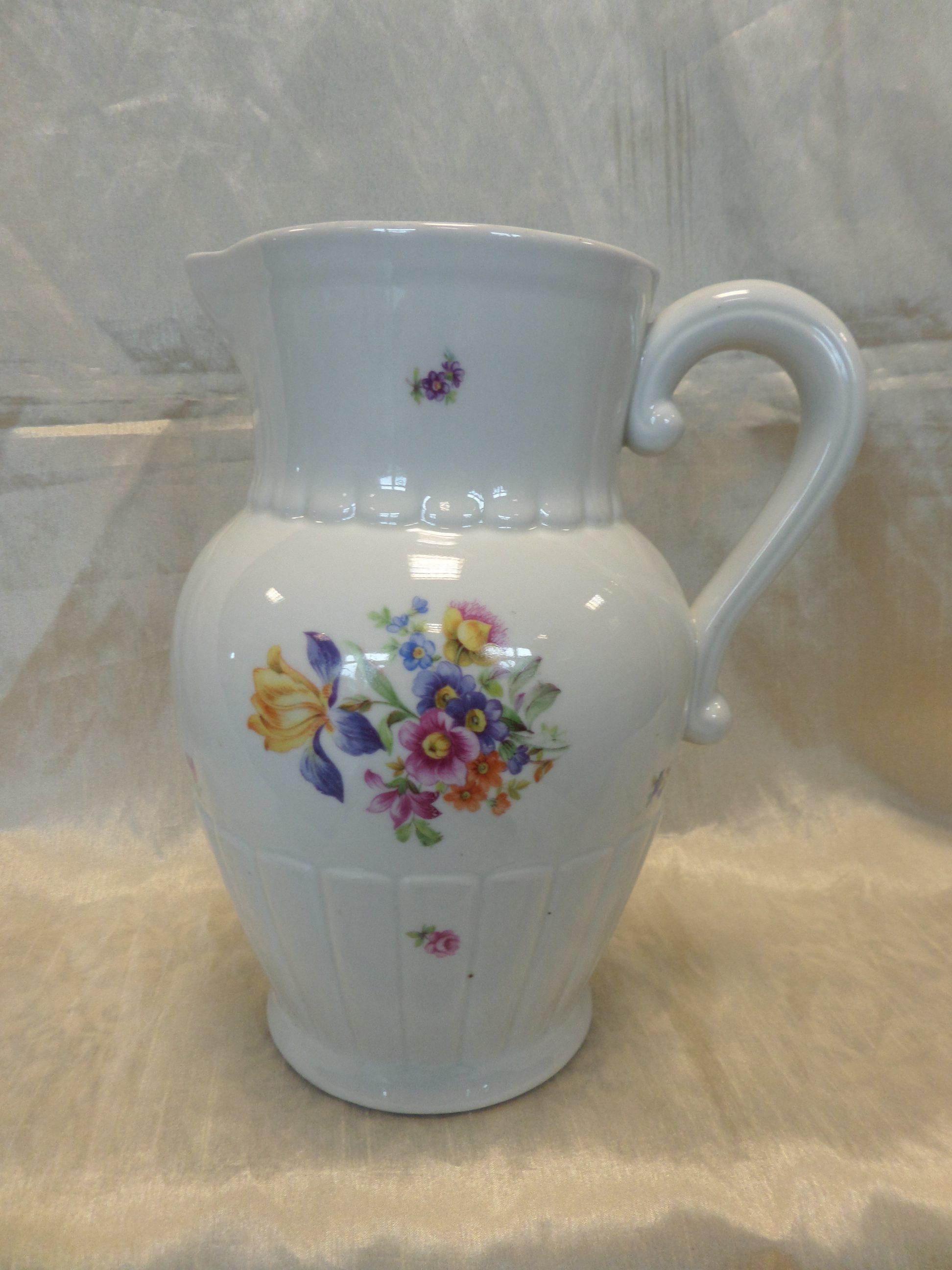 Kispesti porcelán kancsó